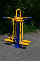 Уличный тренажерр для мышц бедра Двойной RM-05